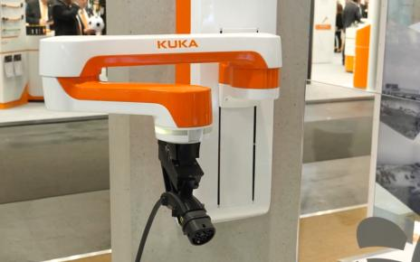 HARTING Innogy and KUKA robots